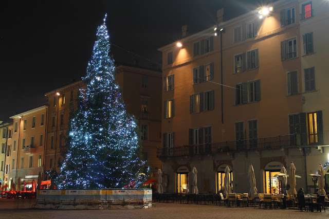 Albero di Natale in Piazza Duomo a Brescia