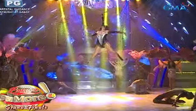 Paolo Ballesteros doing his death defying stunt.