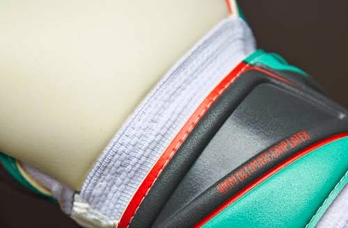 Exclusive Puma evoPOWER Super GK Gloves