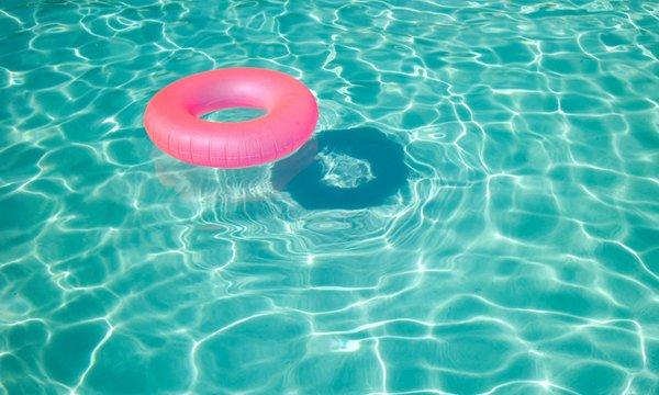 flotador piscina falsos amigos búlgaros