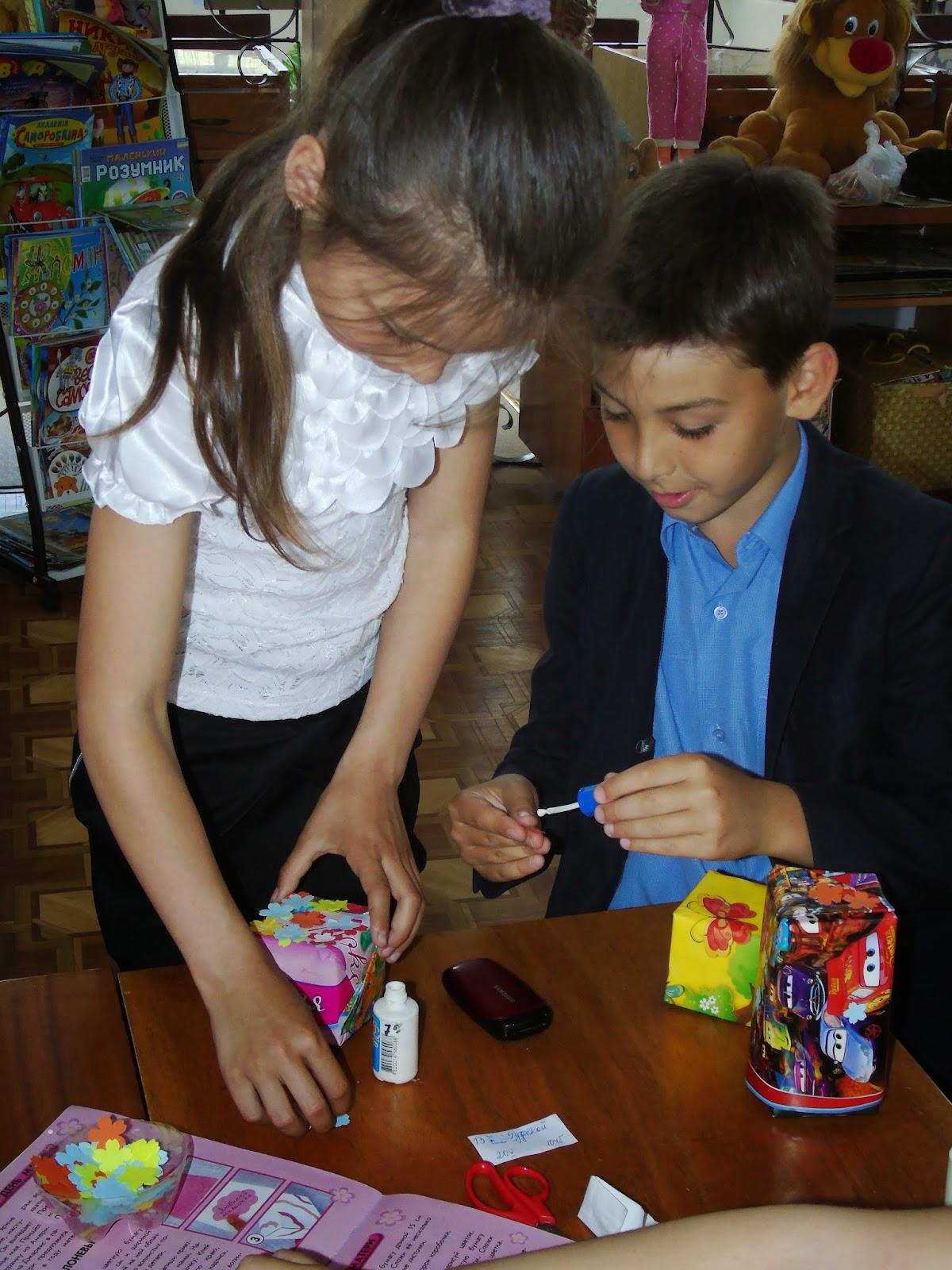 Как оформить коробочку своими руками для подарка 147