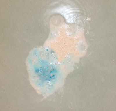 Lush Stardust Bath Bomb