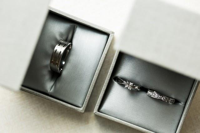 wedding-ring-photography