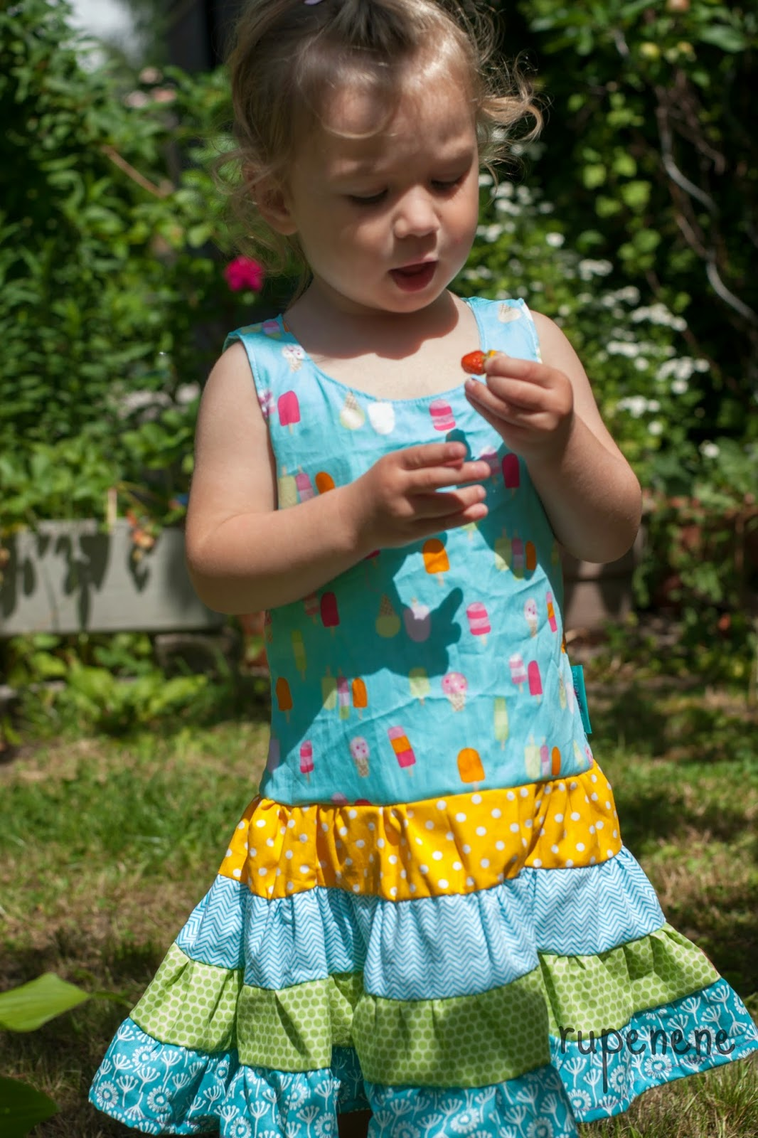 rupenene: lillesol basic No.33 - Stufenkleid