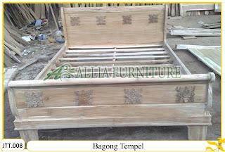 Tempat tidur ukiran Jepara kayu jati Bagong Tempel