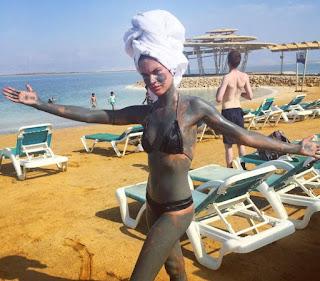 Israel deslumbra modelo portuguesa Sara Sampaio