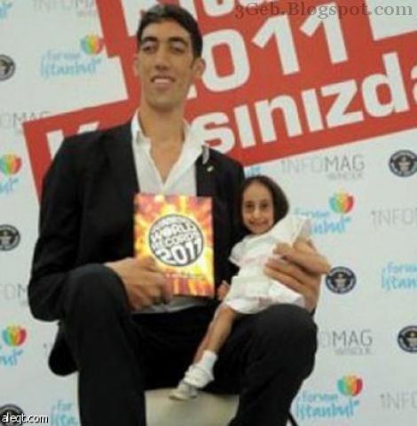 تركية تحصل علي لقب أصغر انسانة في.. العالم