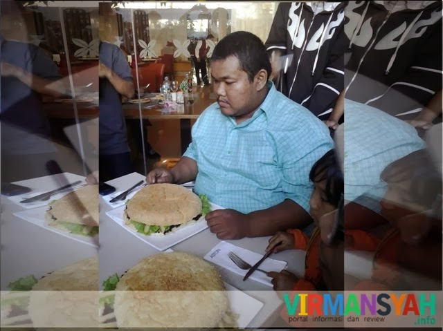 Wahan - Lomba Makan Burger - Kopdar KBJ Aston