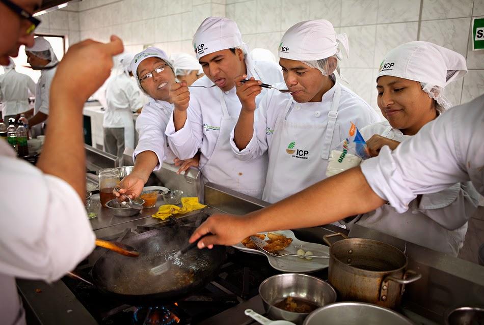 Les coulisses d 39 alpa k gaston acurio le maestro de la - La cuisine peruvienne ...