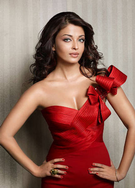 Never Seen Photos of Aishwarya Rai Bachan, Sizzling Ash Pictures