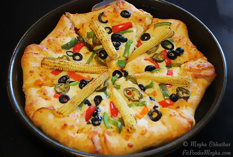 Fit Foodie Megha New Pizza Hut At Fc Road Fun Casual Dining