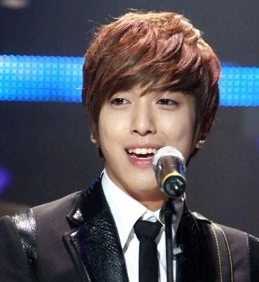 Jung Yong Hwa 22180-cnblue-jung-yong-hwa