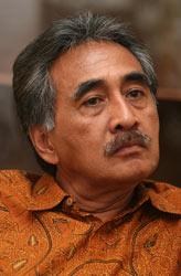 Selebritis-Indonesia-Yang-Meninggal-Karena-Kecelakaan-7