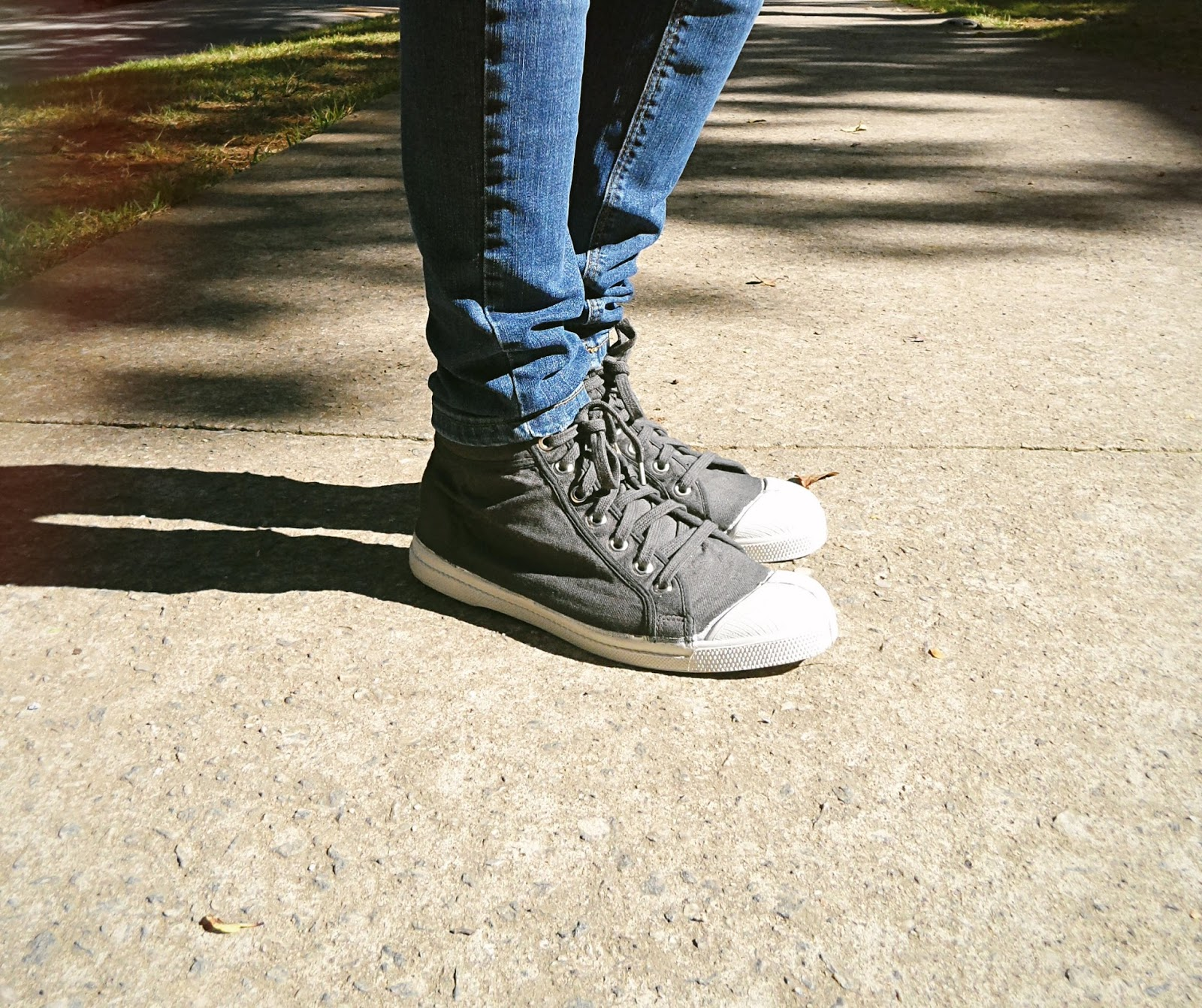 rock style outfit clothes skinny jeans sneakers liz breygel outfit ootd fashion blogger