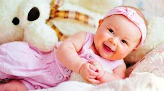 Foto Bayi Lucu Usia 5 Bulan
