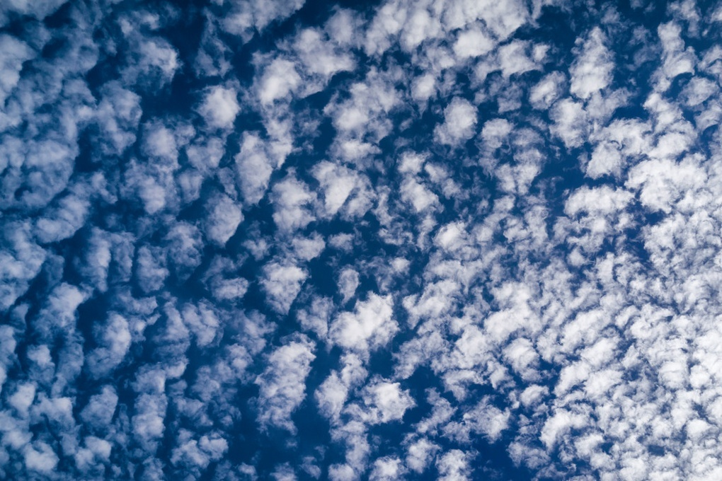 Photograph, Richard Kalvar: Clouds in the sky, Ile de Ré.