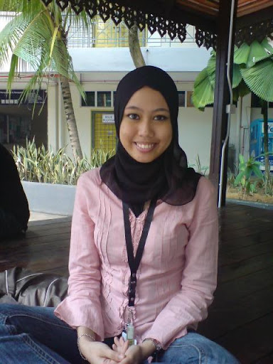 Malay women   Budak UTM separuh bogel melayu bogel.com