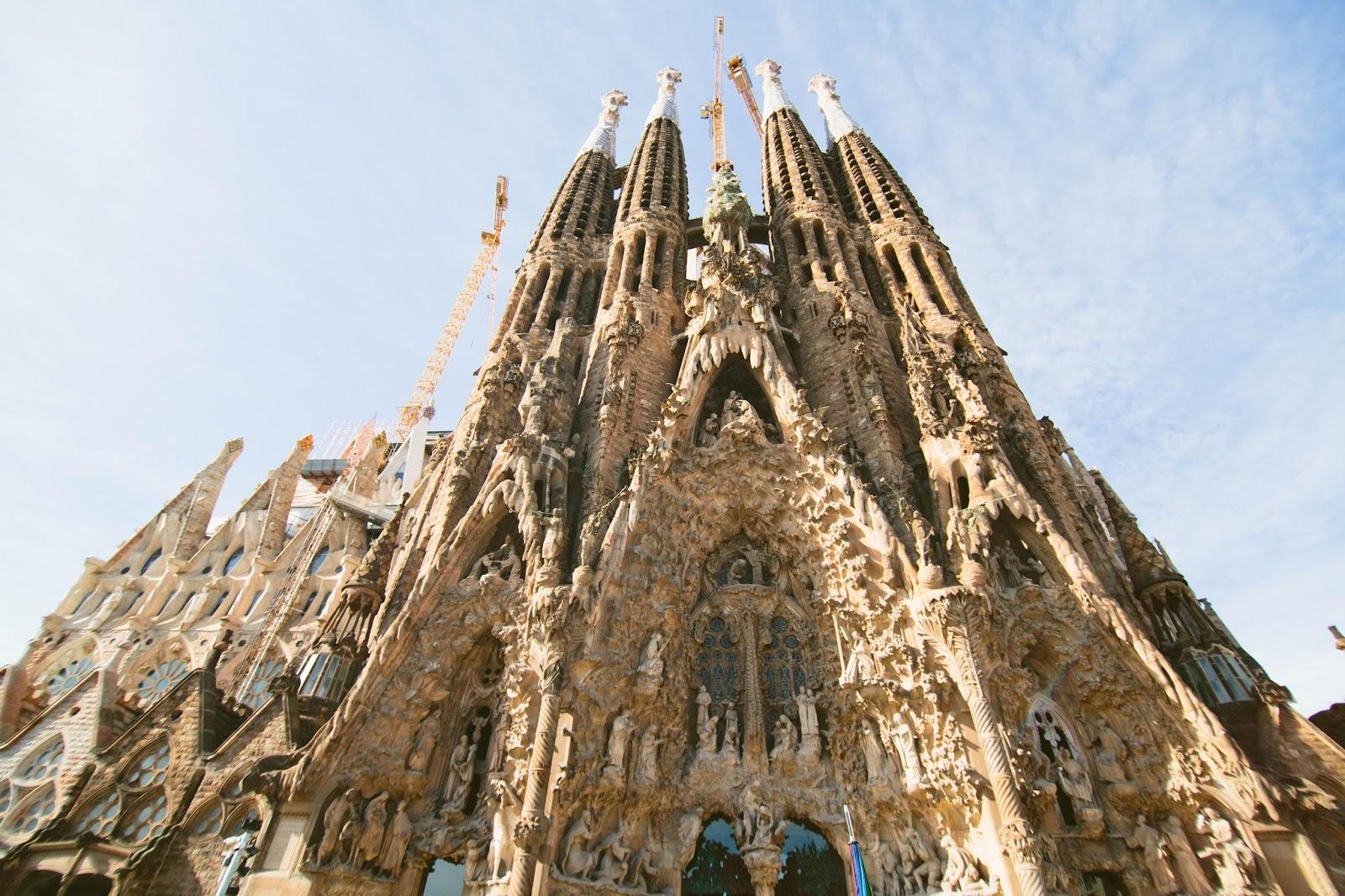 Pomelo la sagrada familia barcelona for Familia barcelona