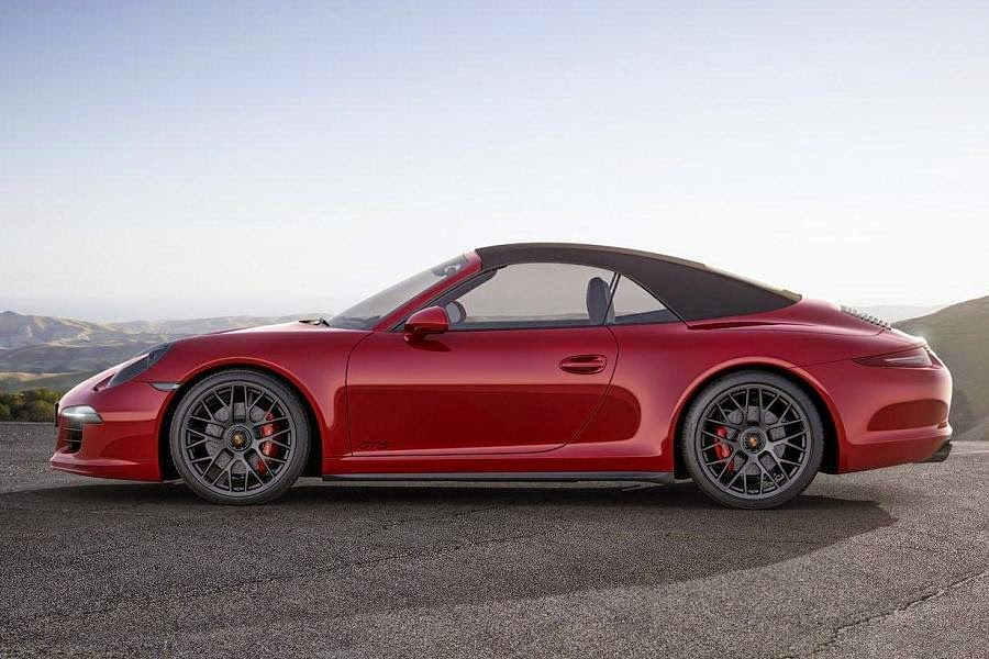 Porsche 911 Carrera GTS Cabriolet (2015) Side