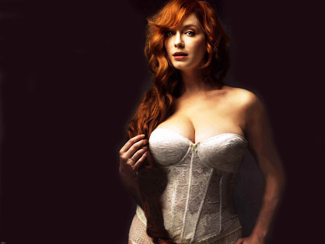 Christina Hendricks sexy in lingerie