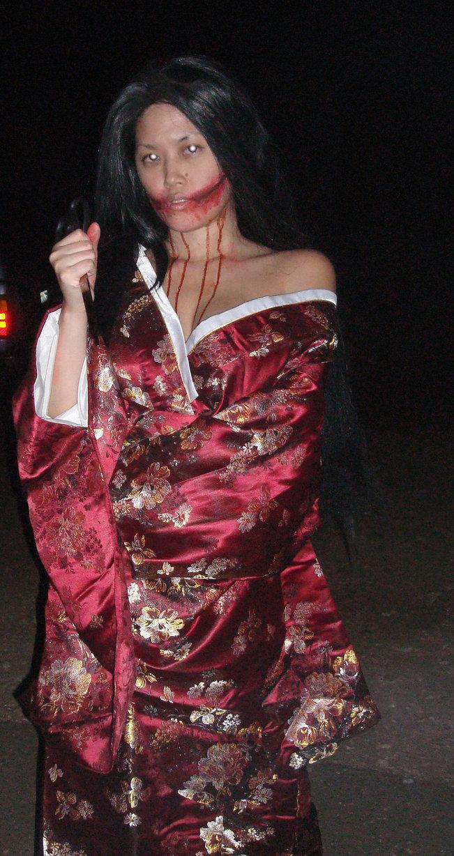 ... info: Legenda Kuchisake Onna, Hantu Wanita Bermulut Lebar Dari Jepang