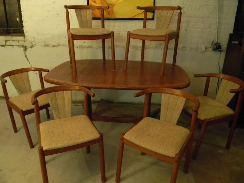 Johanne Andersen Drylund Danish Teak Dining Room Table 6  : DSCN0319 from gatyoretro.blogspot.com size 800 x 600 jpeg 75kB