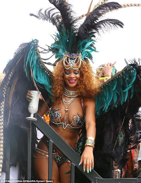 Rihanna carnival-amazinggh.com