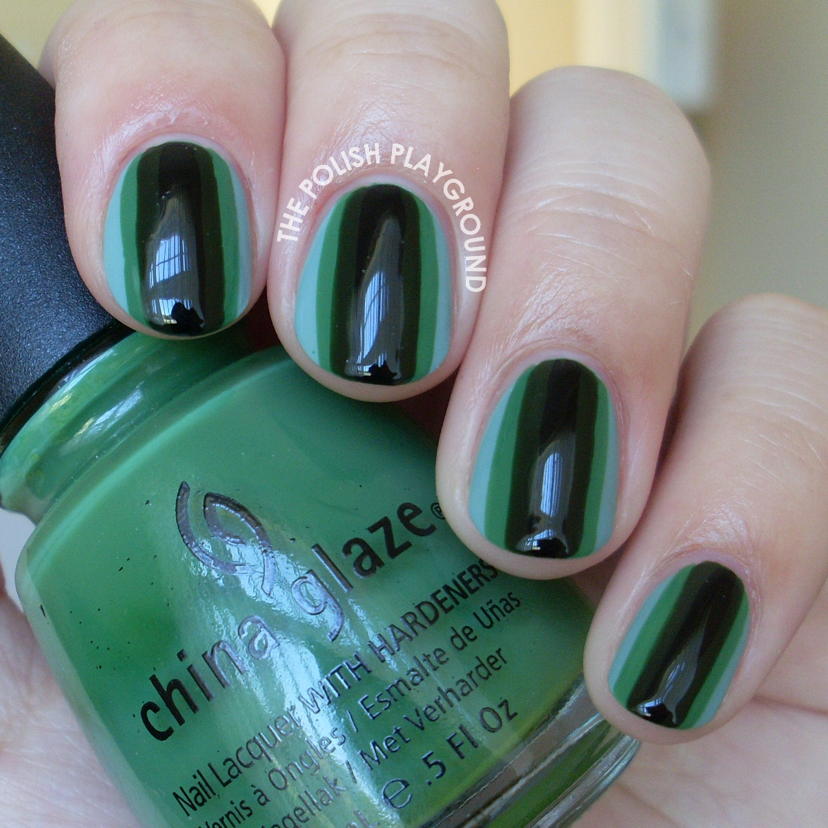 Hypnotic Greens Nail Art