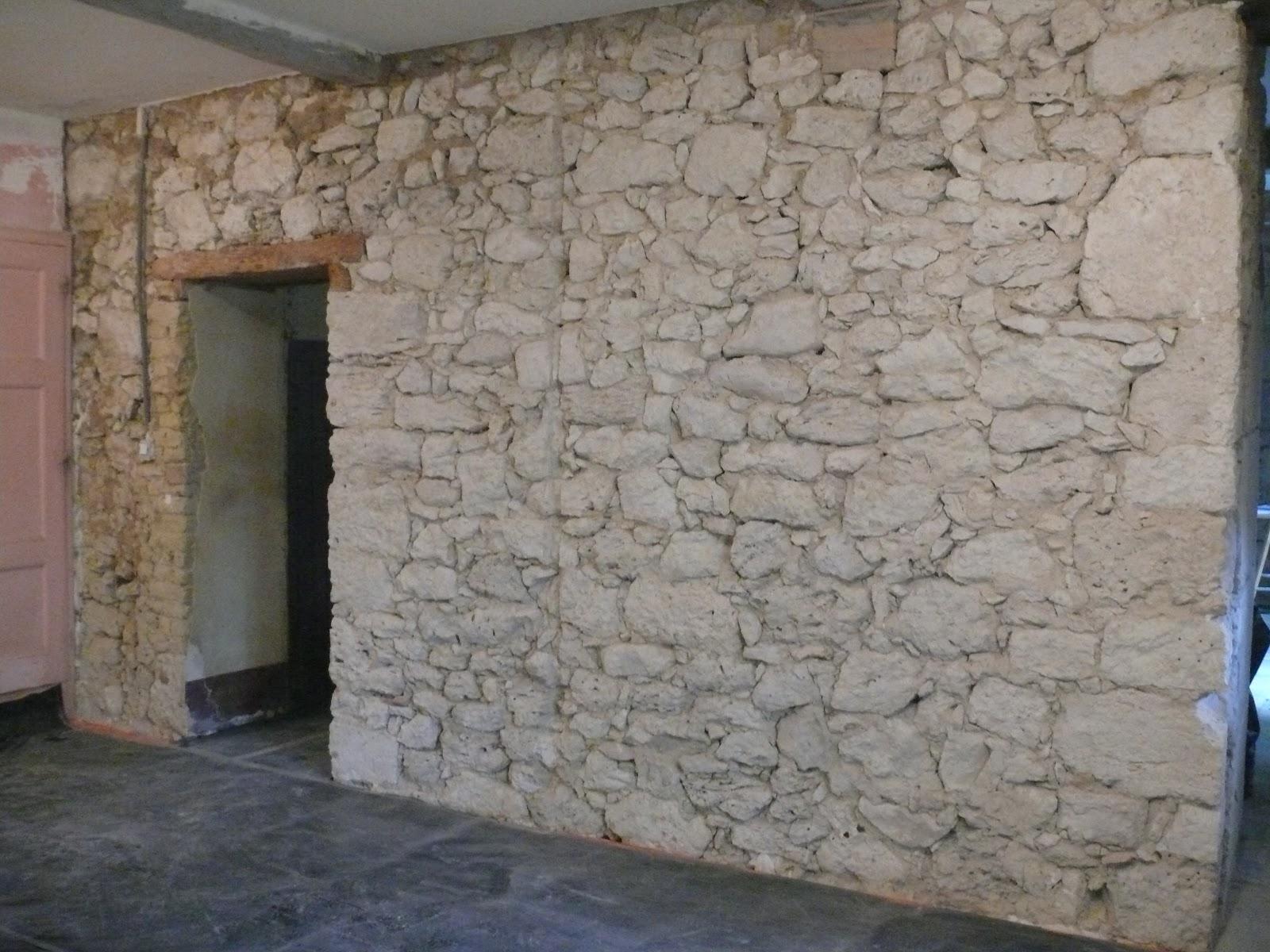 Les travaux du prioulet les murs en pierre for Apprendre a peindre un mur