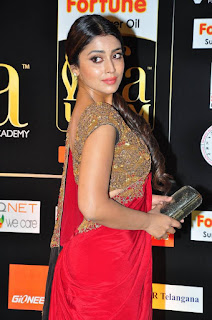 Actress Shriya Saran Latest Pictures in Red Saree at IIFA Utsavam Awards 2016  252810)