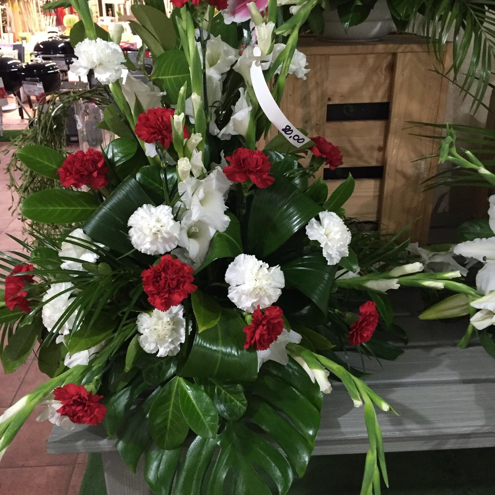 a continuacin los exclusivos centros de flor natural confeccionados por nuestrs experts florists con el diseo exclusivo y la calidad garantizada por