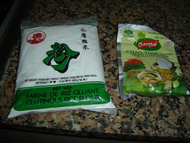 Harina de arroz glutinoso y leche de coco en polvo