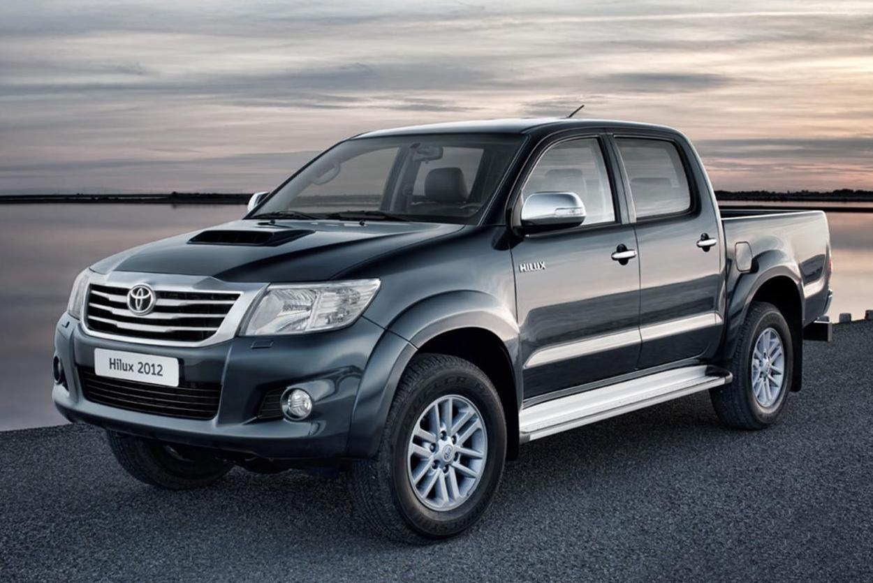 Toyota hilux 2012 front side 1