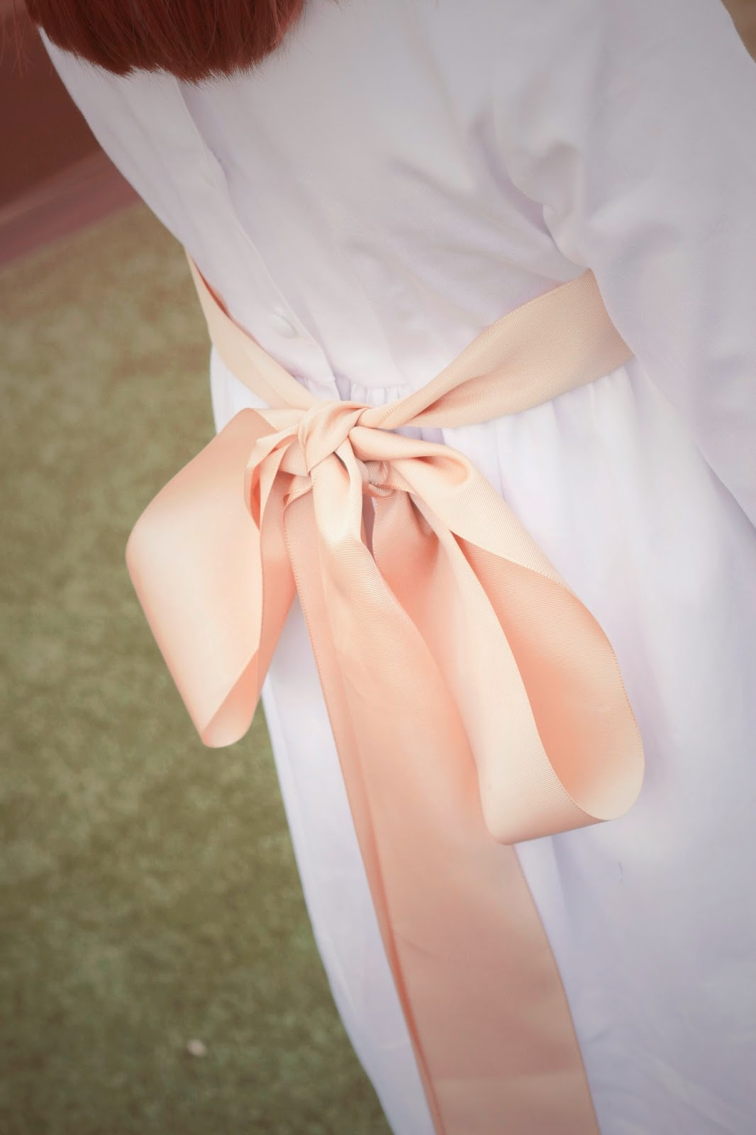 photo-detalles-comunion-vestido-blanco-detalle-nude