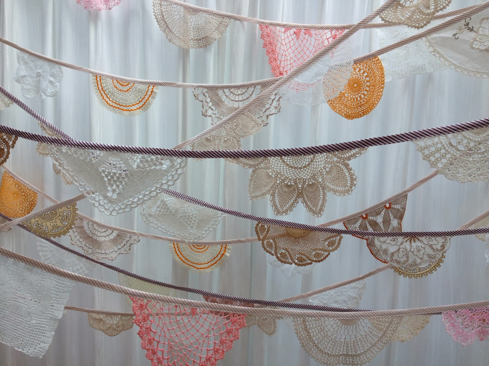 Daisies Blue: Our Vintage Crochet Doily Bunting!