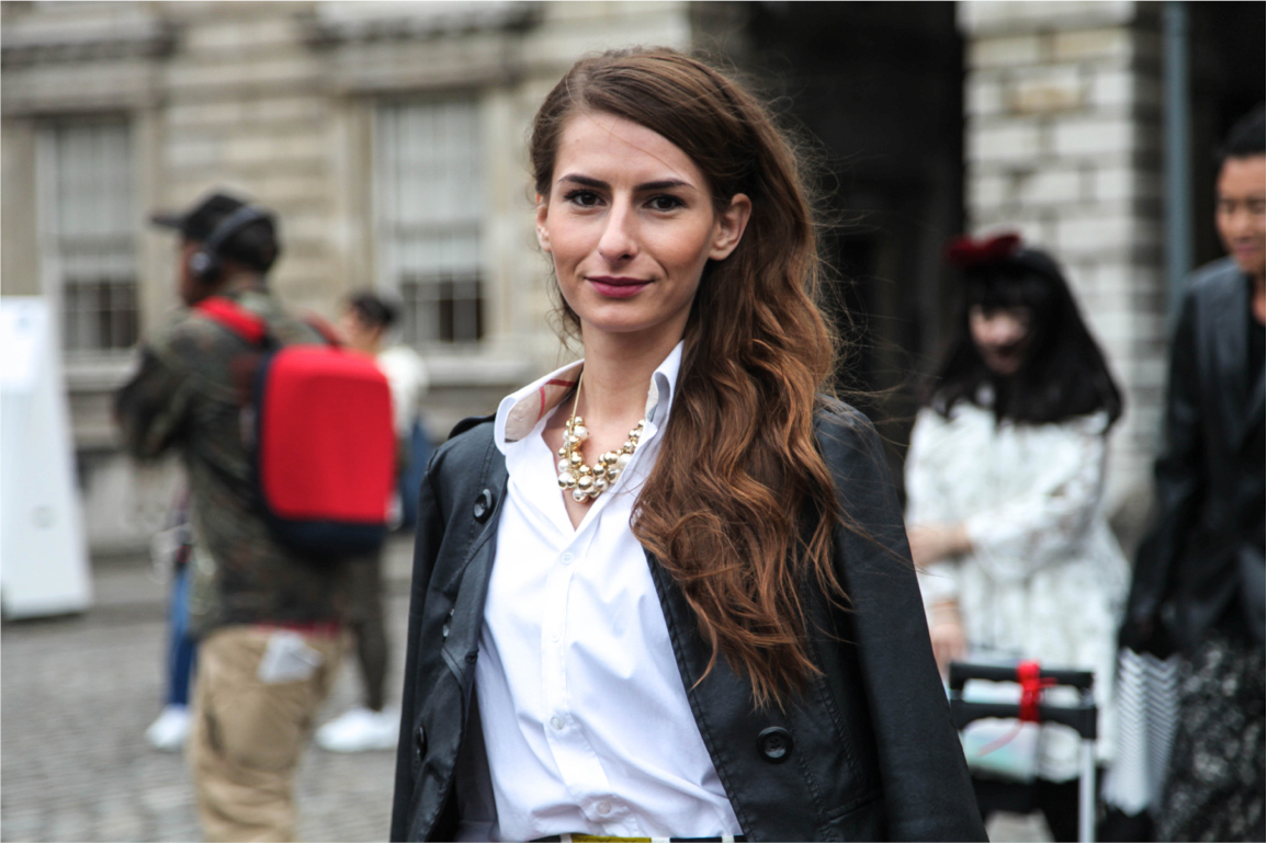 London Fashion Week streetstyle perfect wavy hairstyle