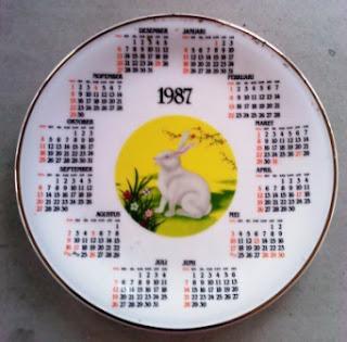Piring Porcelain Kalender Tahun 1987
