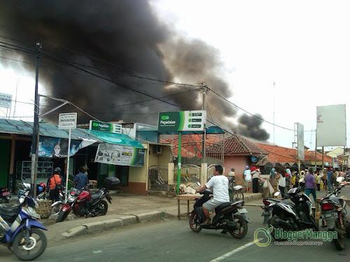 foto kebakaran pasar kertasemaya 2