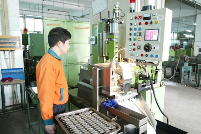 Thiết bị gia công CNC tiên tiến