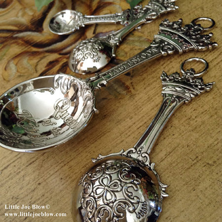 queen of the kitchen measuring spoons sold by little joe blow photo 3