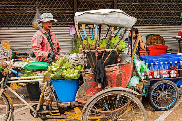 Uliczny handel w Tajlandii