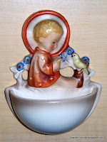 """Sitting Angel"" Hummel 22/0 Holy Water Font"