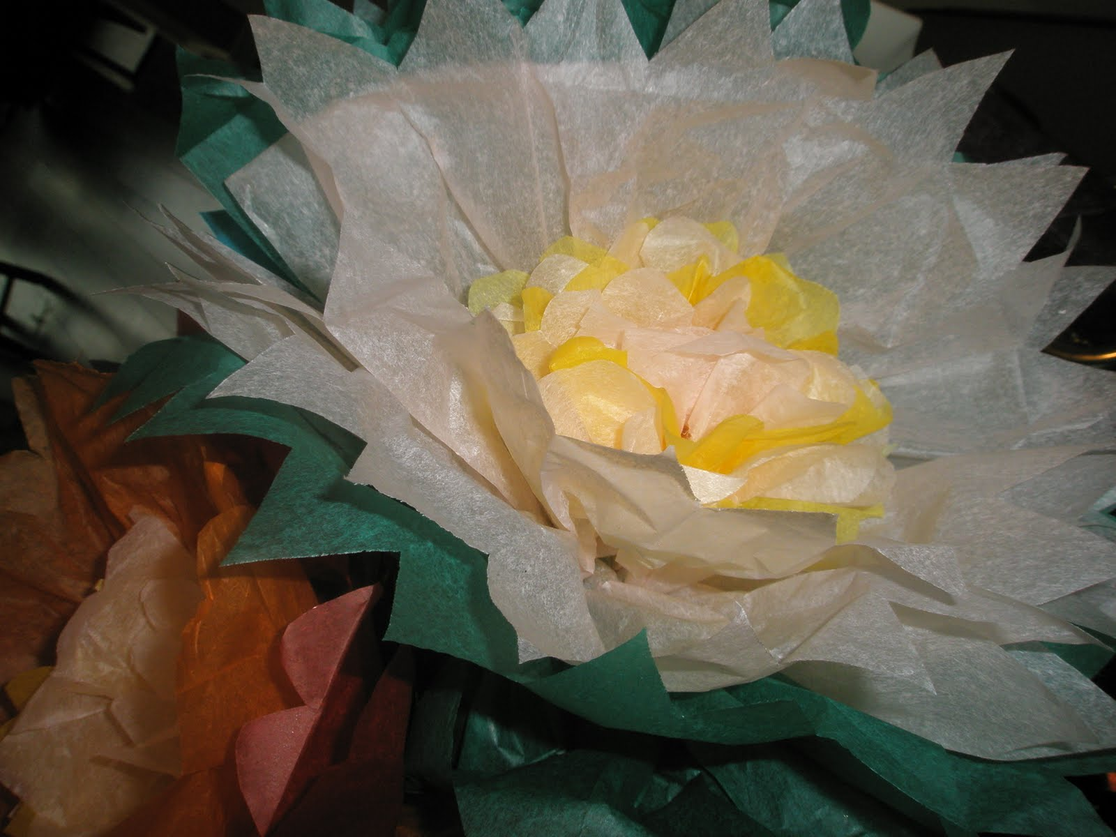 My paper playhouse tissue paper flowers tutorial and a giveaway wednesday august 3 2011 mightylinksfo
