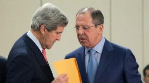 Menlu AS John Kerry dan Menlu Rusia Sergei Lavrov