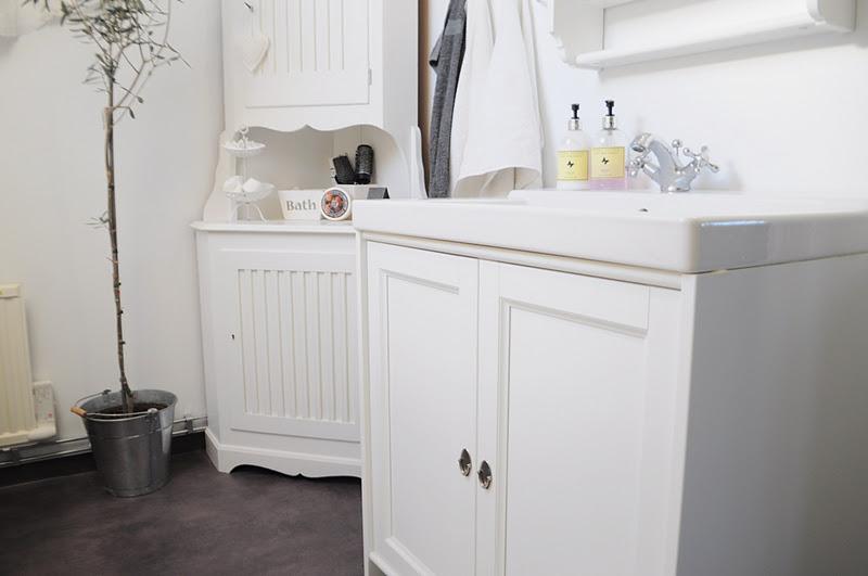 Krokar Badrum Tag Archives Kitchen System Reling Med Krokar Hngare 4krok Atlanta Bathroom