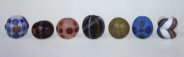 Glass beads 'node in Osaka during the 1970s by the late master beadmaker Kyoyo Asao (1918-1985). Far right bead: length, 2.1 cm.