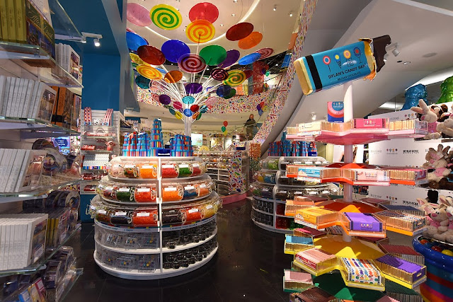 Dylan Lauren opens Dylan's Candy Bar  in Chicago