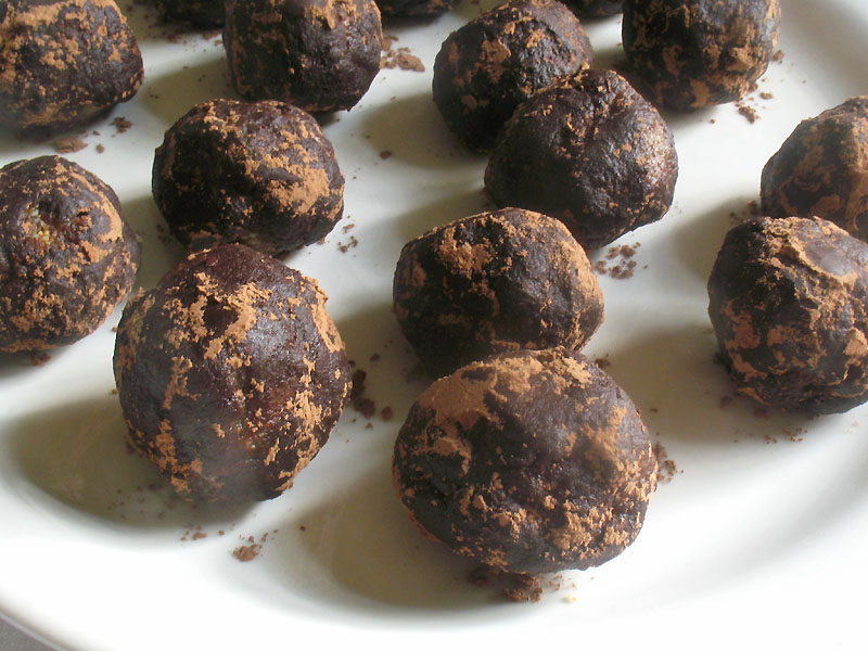 Raw Peanut Butter Truffles | Lisa's Kitchen | Vegetarian Recipes ...