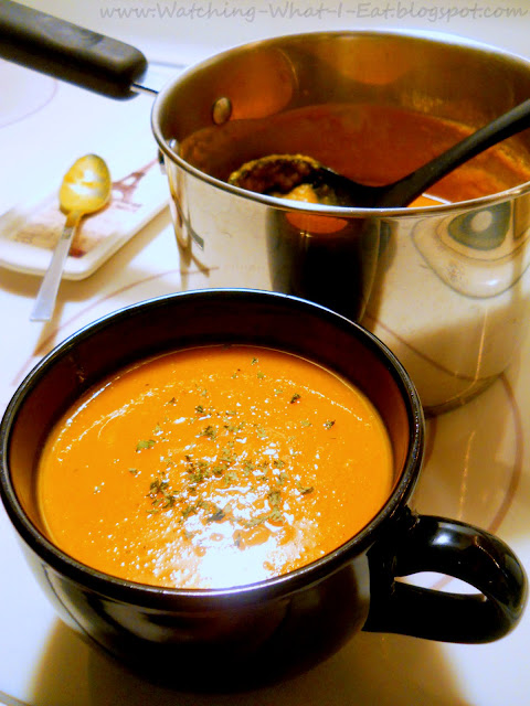 Watching What I Eat: Low Fat Roasted Butternut Squash Soup