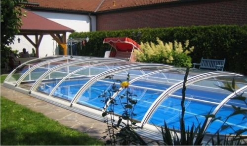 De piscinas los cubrepiscinas for Cubierta para alberca intex